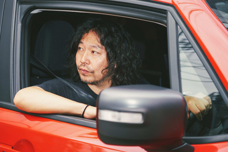 05-4 Jeep® Renegadeにぞっこんの曽我部恵一が勧める、フジロックの原点をリスペクトする特別な1曲とは?