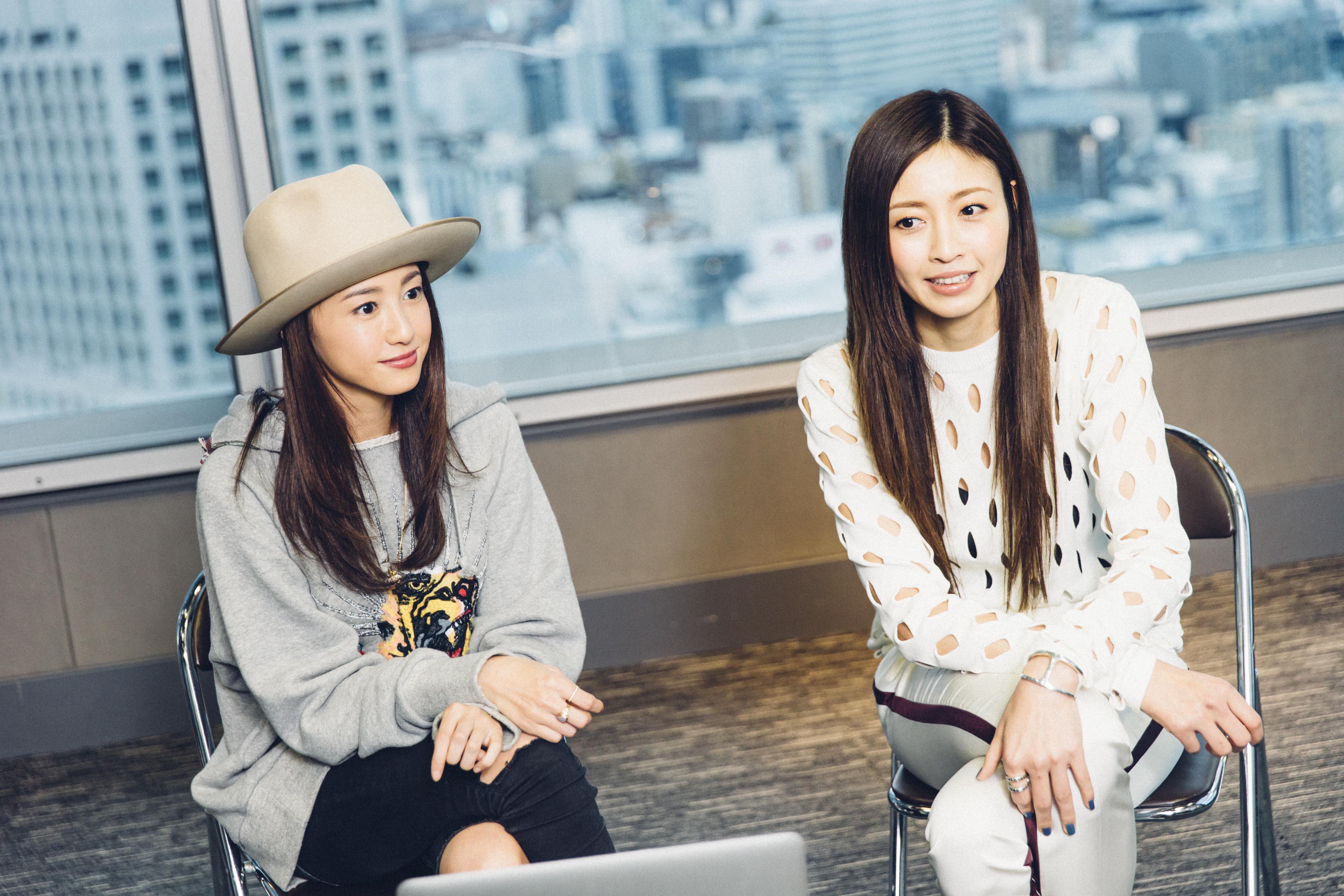 F7Q0649-1 片瀬那奈×沢尻エリカ、フジロック女子対談インタビュー!2人のフジ必需品や今年楽しみなアーティストは?