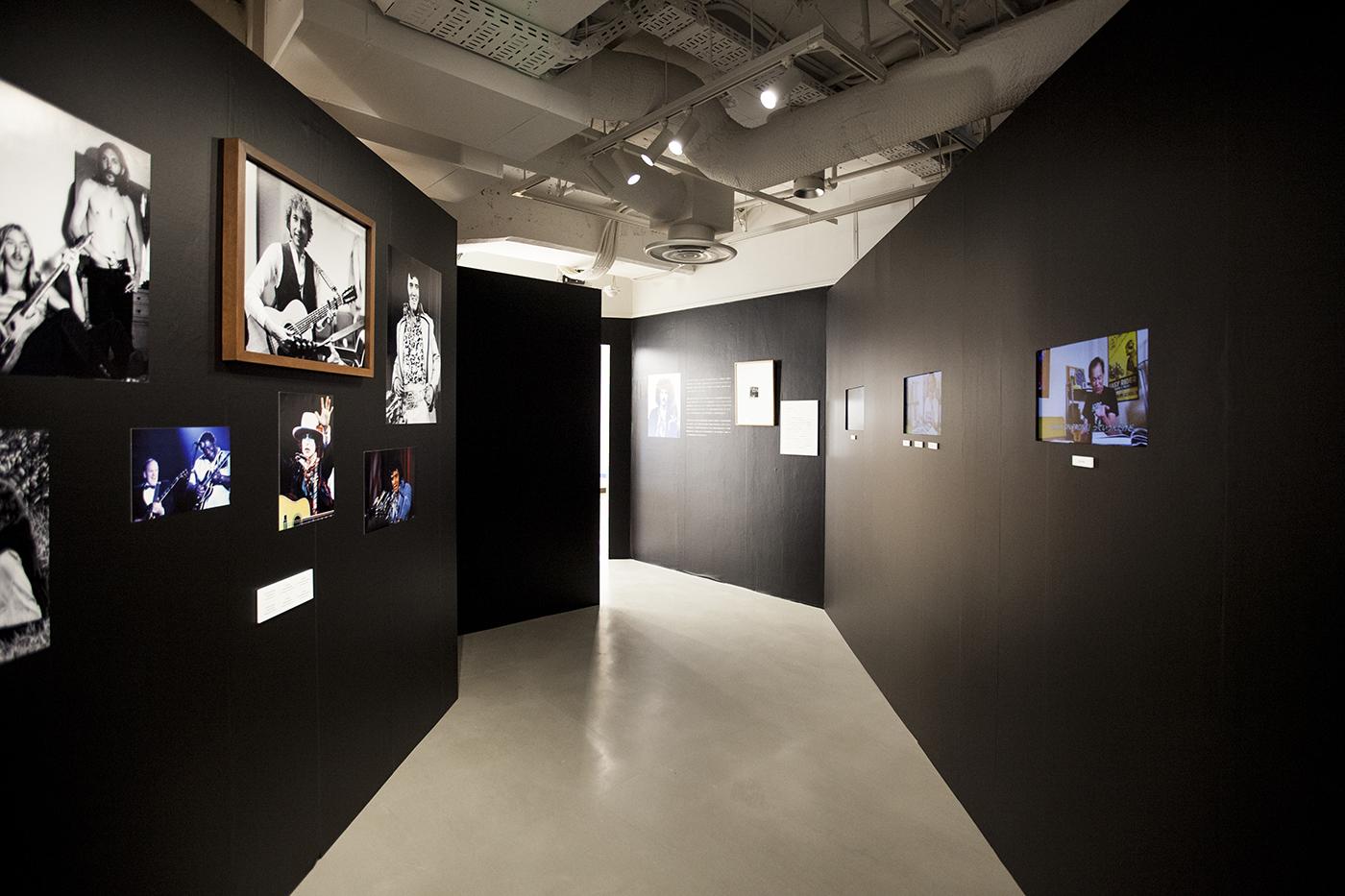 m-0049 【レポート】ロックの歴史が凝縮。フジロックファンも必見のボブ・グルーエン写真展