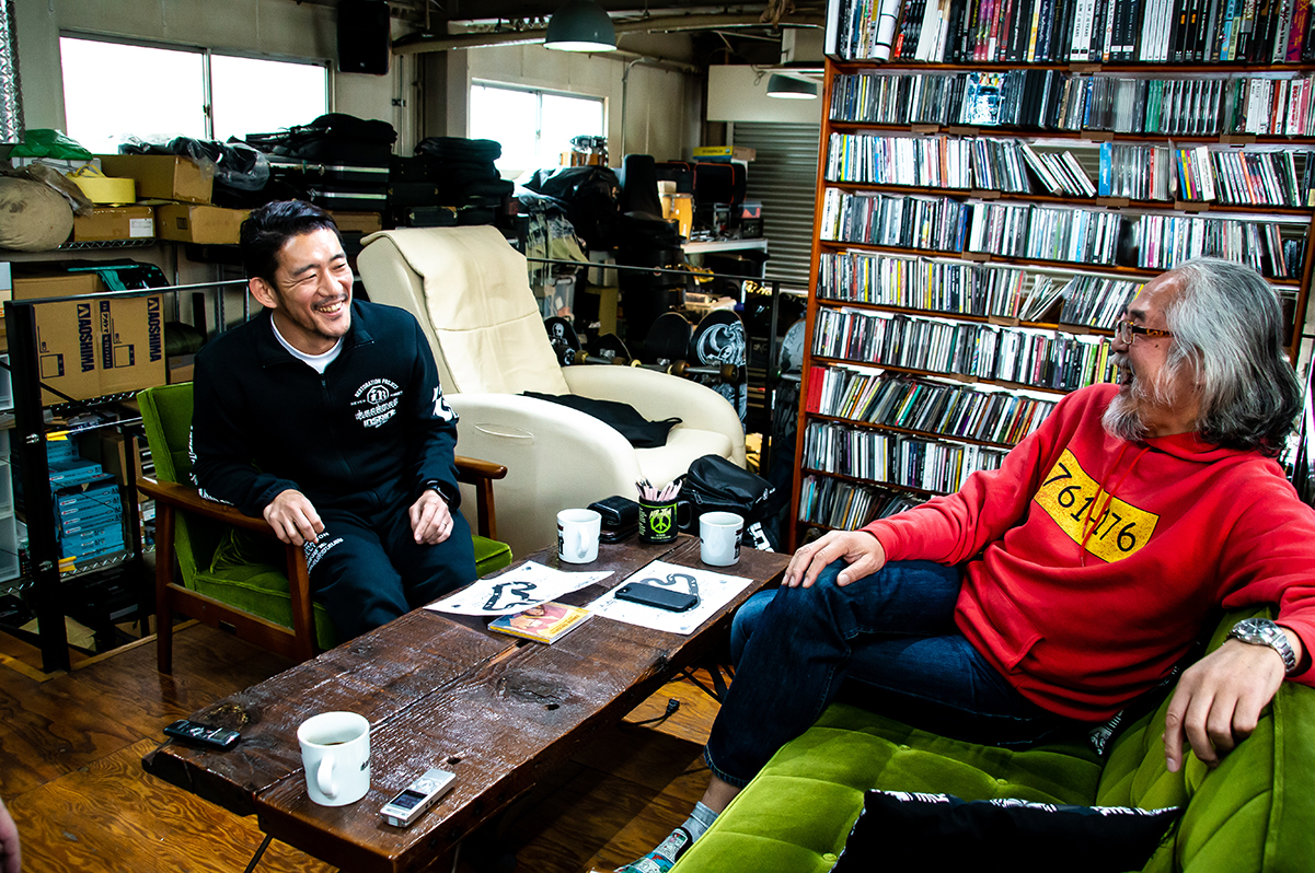 "0419_bandabassotti_04 ベスト・アルバム発売記念対談!BRAHMAN・TOSHI-LOW×花房浩一が語る、""闘うバンド""BANDA BASSOTIとは?#fujirock"